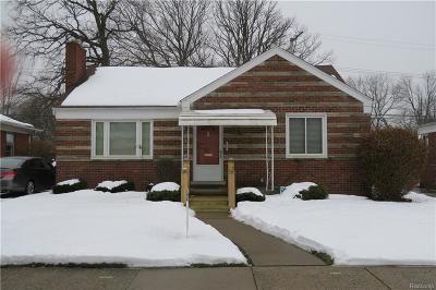 Saint Clair Shores Single Family Home For Sale: 20230 Sunnyside St