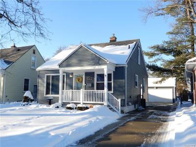 Royal Oak Single Family Home For Sale: 313 E Webster Rd