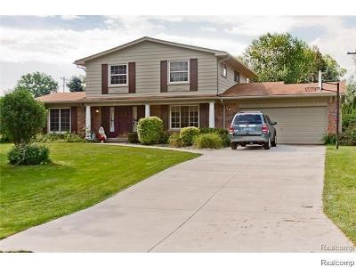 Bloomfield Hills Single Family Home For Sale: 2553 Rambling Way