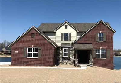Oakland Single Family Home For Sale: 1430 Glass Lake Cir