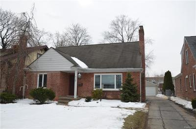 Royal Oak Single Family Home For Sale: 2107 Clawson Ave