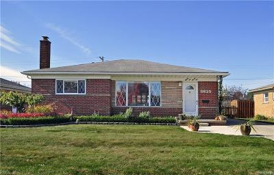 Dearborn Single Family Home For Sale: 8625 Norborne St