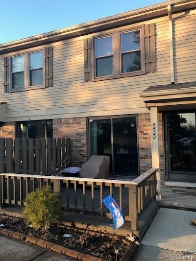 Warren Condo/Townhouse For Sale: 8522 Dogwood Lane