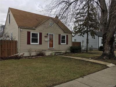 Roseville Single Family Home For Sale: 17611 E 12 Mile Rd