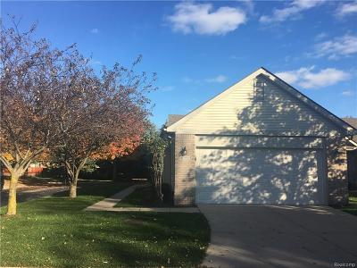 Sterling Heights Condo/Townhouse For Sale: 41222 Bermuda Dr