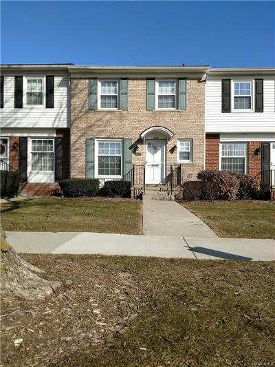 Royal Oak Condo/Townhouse For Sale: 2408 W 13 Mile Rd