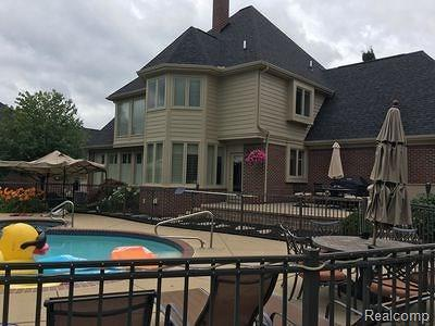 Northville Single Family Home For Sale: 17866 Stonebrook Dr