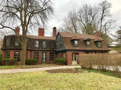 Grosse Pointe Single Family Home For Sale: 7 Woodland Pl