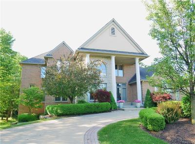 Rochester Hills Single Family Home For Sale: 3838 Rosewood Ln