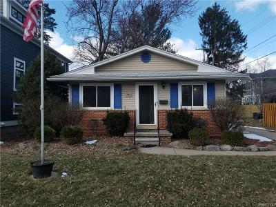 Plymouth Single Family Home For Sale: 794 Harvey