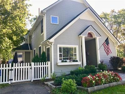 Rochester Single Family Home For Sale: 633 First St