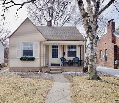 Saint Clair Shores Single Family Home For Sale: 21720 Colony St