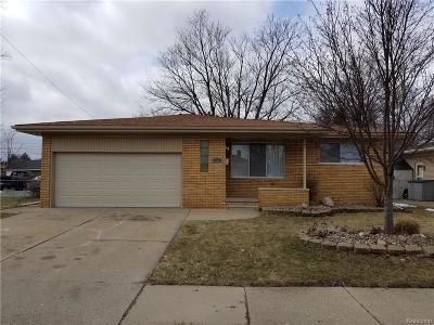 Roseville Single Family Home For Sale: 27217 Groveland St