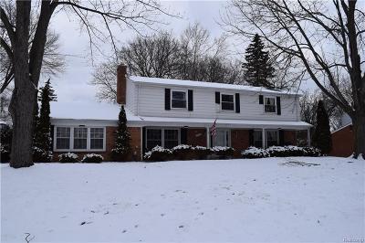 Farmington Hills Single Family Home For Sale: 29998 Barwell Rd