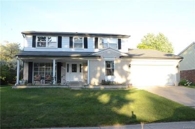 Rochester Hills Single Family Home For Sale: 851 Hampton Cir
