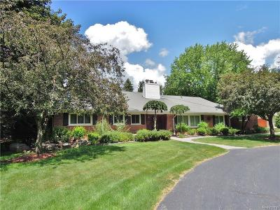 Bloomfield Hills Single Family Home For Sale: 1227 Lenox Rd