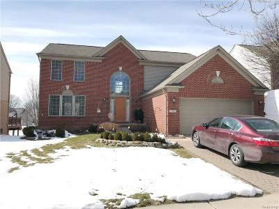 West Bloomfield Single Family Home For Sale: 7582 Windgate Cir