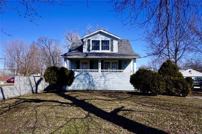 Roseville Single Family Home For Sale: 20751 E 12 Mile Rd
