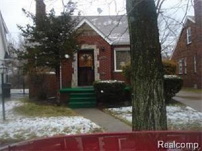 Detroit Single Family Home For Sale: 5960 Lakeview St