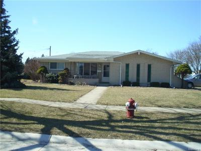Sterling Heights MI Single Family Home For Sale: $204,900