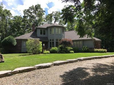 Lapeer Single Family Home For Sale: 3695 Merritt Lake Dr