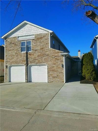 Saint Clair Shores Single Family Home Pending: 22477 Beach St
