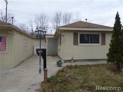 Farmington Single Family Home For Sale: 22405 Sherwood St