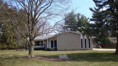 Farmington Single Family Home For Sale: 23970 Wesley Dr