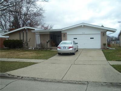 Warren Single Family Home For Sale: 30624 Lebanon Dr