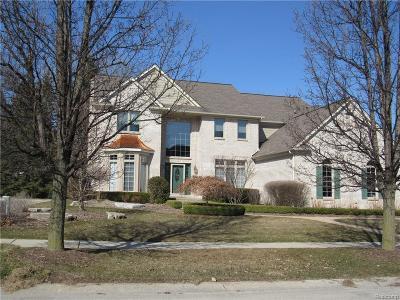 Washington Single Family Home For Sale: 58417 Deerfield Dr