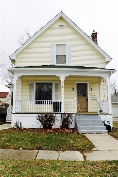 Lapeer Multi Family Home For Sale: 523 N Madison St