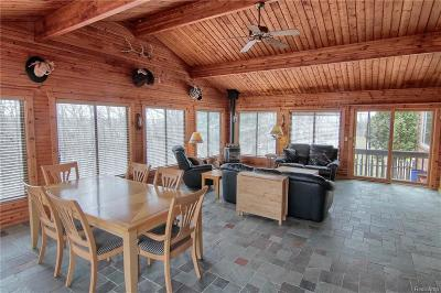 Clarkston Single Family Home For Sale: 5440 Farley