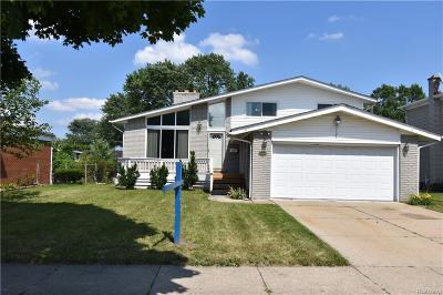Warren Single Family Home For Sale: 24146 Warner