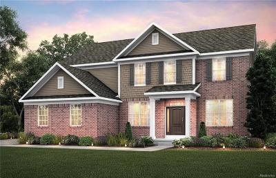Lake Orion Single Family Home For Sale: 3174 Huntsman Blvd