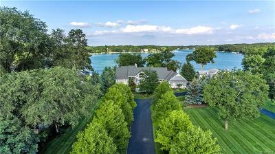 West Bloomfield Single Family Home For Sale: 2943 Warner Dr