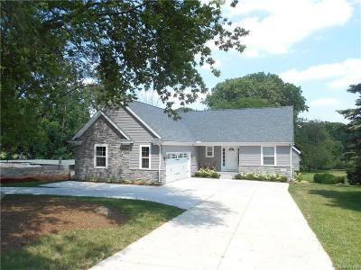 West Bloomfield Single Family Home For Sale: 2617 Middlebelt Rd
