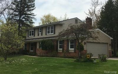 West Bloomfield Single Family Home For Sale: 4566 Middleton Dr