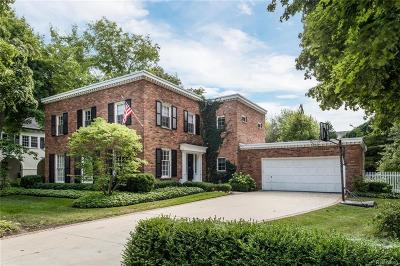 Grosse Pointe Farms Single Family Home For Sale: 39 McKinley Place