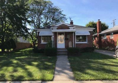 Roseville Single Family Home For Sale: 17356 Kershaw St