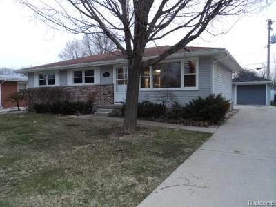 St. Clair Single Family Home For Sale: 3536 Williamsburg Dr