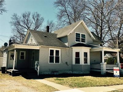 St. Clair Single Family Home For Sale: 926 Willow St