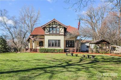Oakland Single Family Home For Sale: 326 Hendrie Blvd