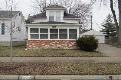 Saint Clair Shores Single Family Home For Sale: 22711 Stephens St