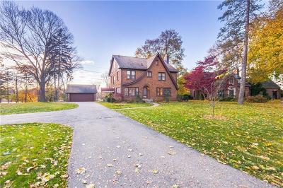 Clarkston Single Family Home For Sale: 6151 Middle Lake Rd