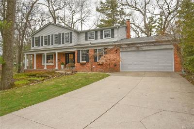 Lake Orion Single Family Home For Sale: 2812 Lunar Crt