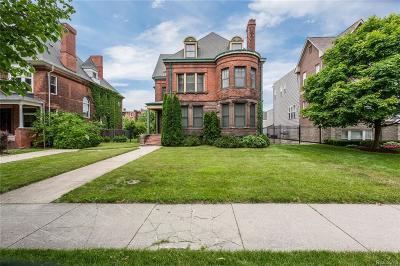 Detroit Condo/Townhouse For Sale: 263 E Ferry St