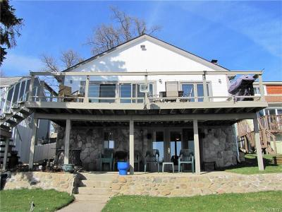 Lake Orion Single Family Home For Sale: 843 Pine Tree Rd W