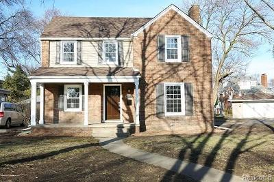 Royal Oak Single Family Home For Sale: 25400 Dundee Rd