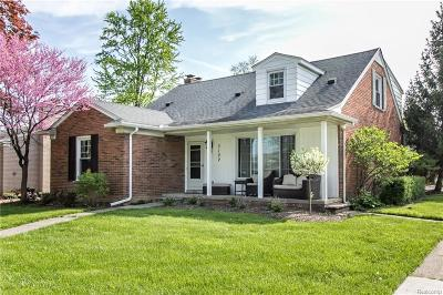 Royal Oak Single Family Home For Sale: 3102 Clawson Ave