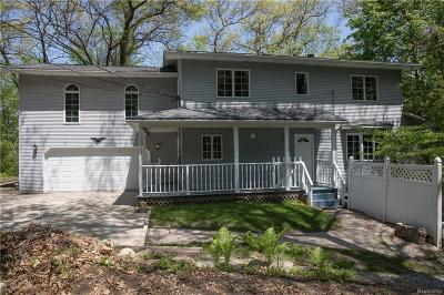 Lake Orion Single Family Home For Sale: 1436 W Clarkston Rd
